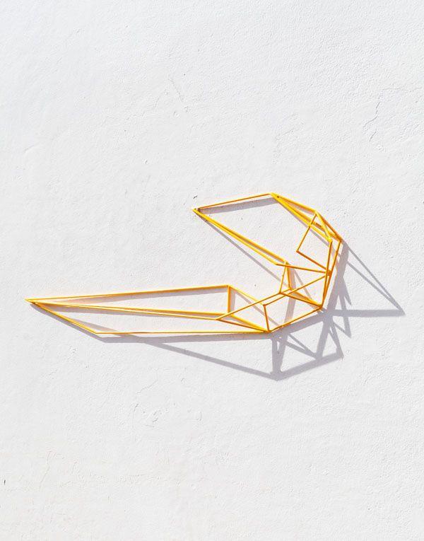 Wire sculpture by Dion Horstmans