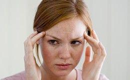 Dor de cabeça: fome, sono e problemas na mandíbulas podem causar o problema. Confira outras possíveis causas