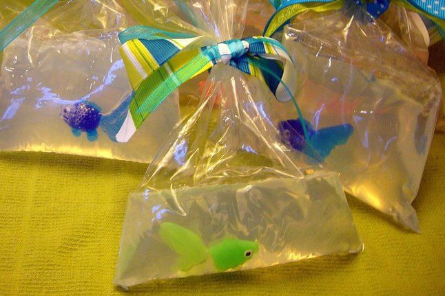 Fish-in-a-Bag Soap--These handmade glycerin soaps would make a cute party favor.Party Favors, Crafts For Kids, Fish In A Bags Soaps, Crafts Fair Ideas For Kids, Kids Birthday, Glycerin Soaps, Parties Favors, Fish Soaps, Pbs Parents