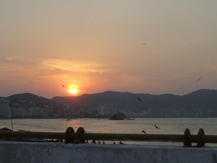 Amanecer 8 abril 2011, Ven y disfruta de Acapulco al máximo!!!