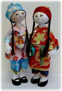 Beautiful Asian-influenced Dolls,  Ling Li Hua (Delicate Pearl Blossom) and her sister Chun Woo, (Spring Rain) by Leslie Moen - California, USA