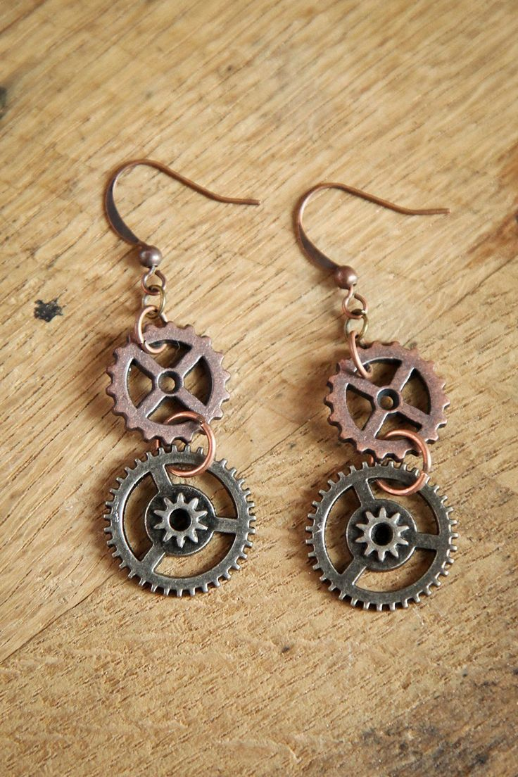Moving Gear Steampunk Earrings $21.00 #steampunk https://www.steampunkartifacts.com