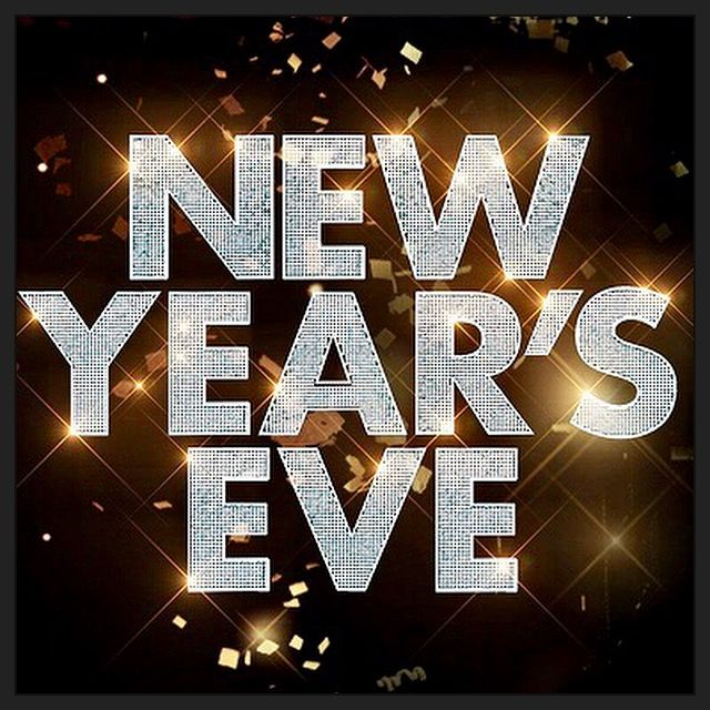 What Are You Doing New Year's Eve? 🎉Getting excited? #newyearseve #newyear #celebration #timessquare #newyork #newyorkcity #rockineve #ryanseacrest #dickclark #party #drinks #balldrop #family #friends #fireworks #together #food #music #whatareyoudoingnewyearseve #midnight #countdown #newyearsresolution #goals #travel #vacation #relationships #love #heart #memories #excited