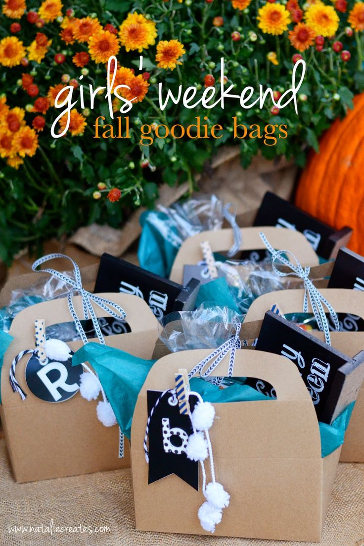 fall goodie bags + fall candy mix recipe - great for Thanksgiving guests