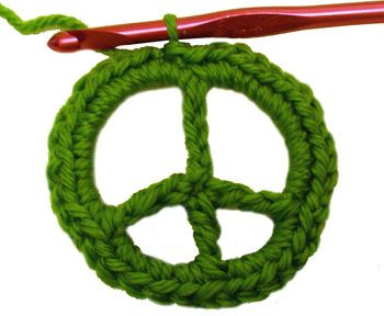 Crochet Spot » Blog Archive » Crochet Pattern: Peace Sign (detailed) - Crochet Patterns, Tutorials and News