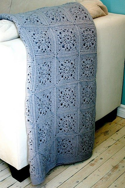 Crochet pattern by @Le Ha Dugon--in French--Google Translate does a fair job; only the basics of the square are provided, but this is very beautiful.