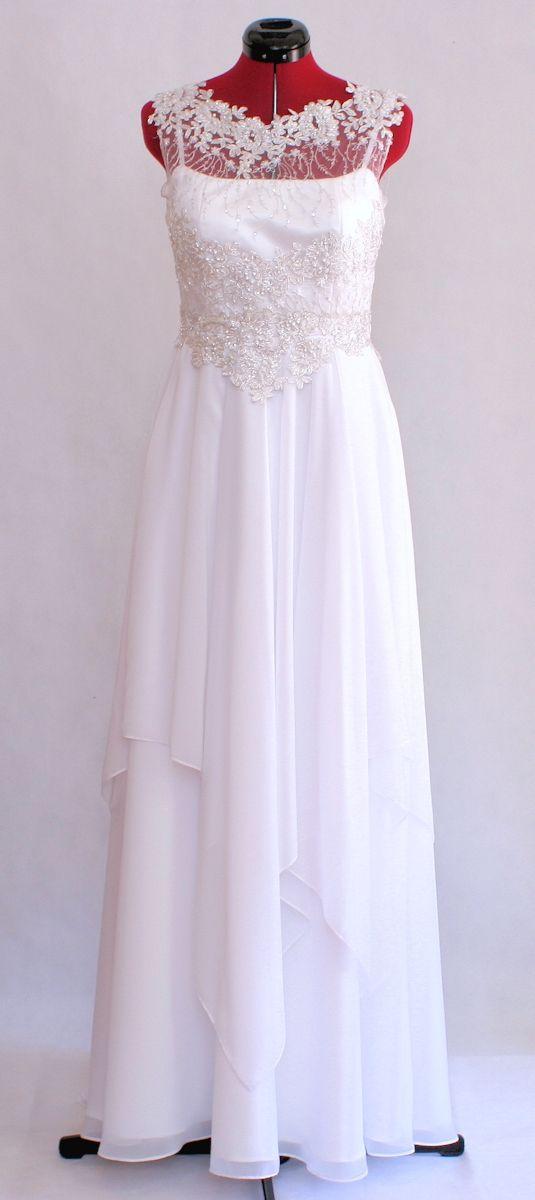 Suknia ślubna z koronką i muślinowym dołem