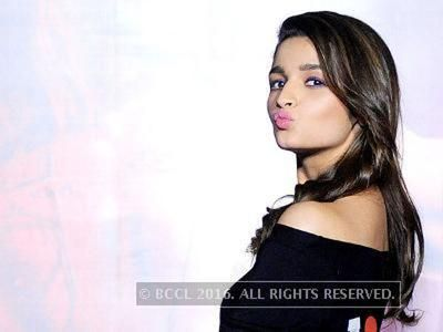 Alia Bhatt to play host to her parents