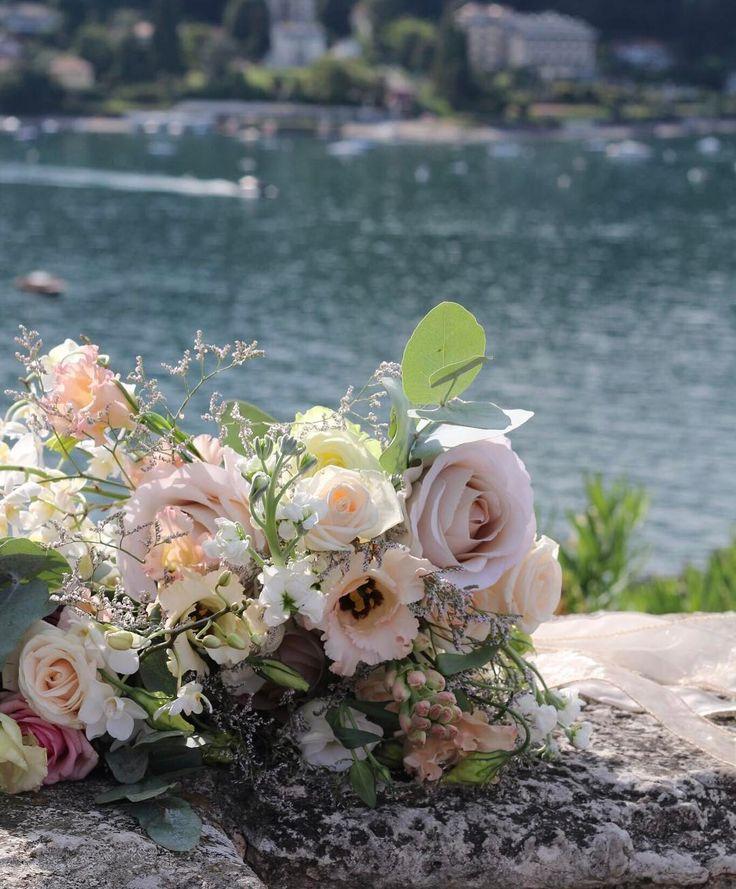 Живые цветы  это то без чего сложно представить свадьбу  Вы можете обойтись без любых других элементов декора но именно оформление свадьбы цветами придаст этому дню особую торжественность и настроение Концепция состав и цветовая гамма цветочного оформления зависят от выбранного вами стиля свадьбы  На свадебном фестивале #StresaWeddingFest вы познакомитесь с нашими спикерами которые расскажут все об оформлении свадьбы ! Если вы ещё не приобрели свои билеты по ссылке в описании профиля то…