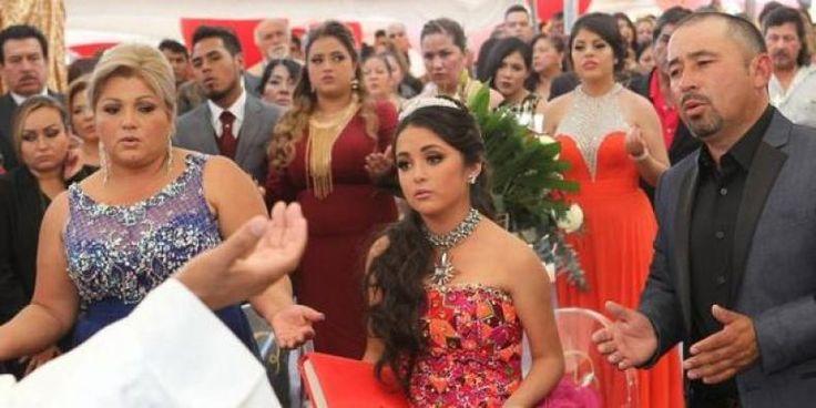 Rubi Gracia Kecewa Di Pesta Ulang Tahunnya Ribuan Orang Tak DIkenal Datang  KONFRONTASI - \KONFRONTASI - Mungkin ini merupakan perayaan ulang tahun paling kacau yang pernah dialami remaja asal Meksiko Rubi Ibarra Garcia.  Bagaimana tidak? Sebanyak puluhan ribu orang hadir di pesta ulang tahun Garcia. Parahnya Garcia bahkan tidak mengenal orang-orang yang datang ke pestanya itu.  Harian Daily Mail Selasa (27/12) melaporkan para tamu undangan itu datang lantaran orangtua Garcia lupa untuk…