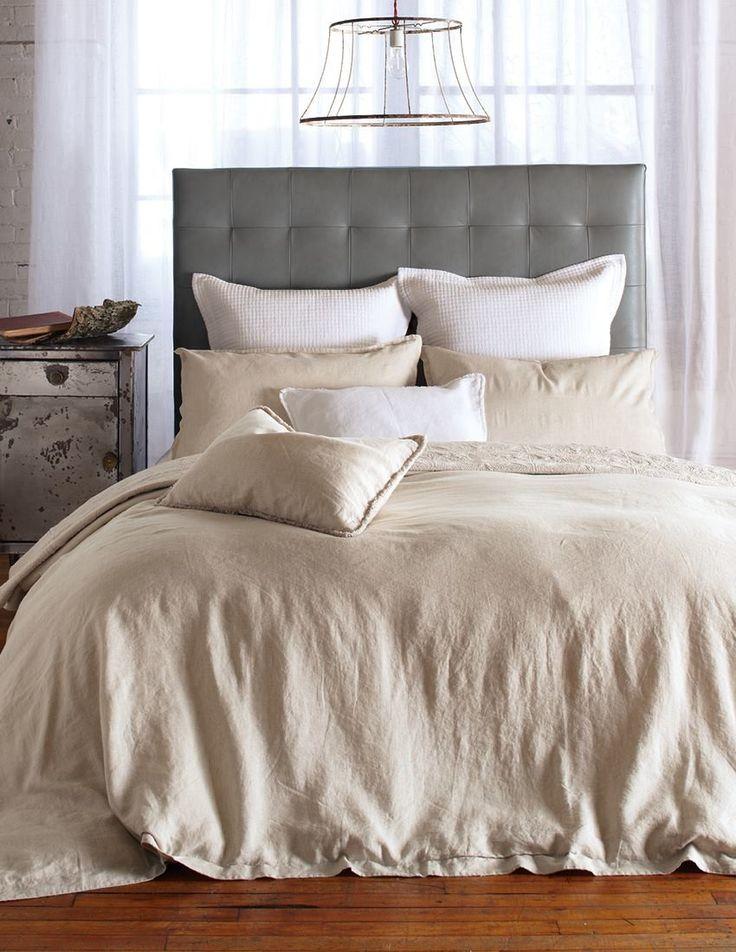 Du lin, rien que du lin, c'est ce que vous offre la collection Linen en blanc, charcoal et naturel. Coussins décoratifs européen (25'' x 25
