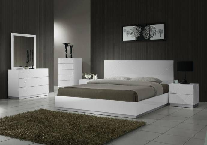 J M Naples Contemporary White Lacquer Finish Platform King Size Bedroom Set 3pcs Sku17686 Ek Set 3 Buy Online White Bedroom Set Modern Bedroom Set Contemporary Bedroom Sets