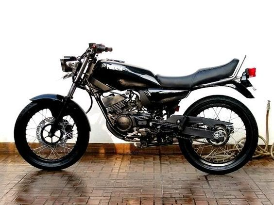 Modifikasi Yamaha RX King Serba Hitam