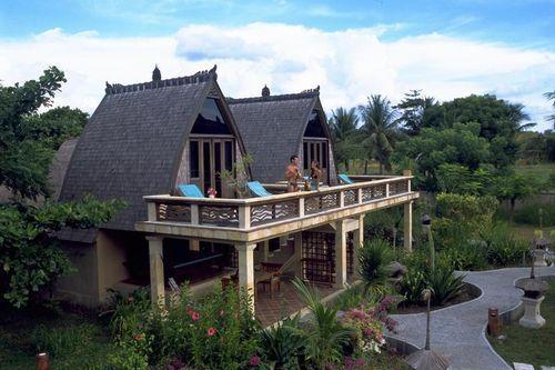 Puri Saron Hotel Seminyak – Puri Saron Hotel Seminyak berlokasi di daerah Seminyak, Bali. Hotel ini menawarkan fasilitas seperti spa, kolam renang outdoor yang menawan, dan akomodasi dengan furniture yang lengkap, dan dapat ditempuh dengan berjalan kaki dari Pantai Seminyak.