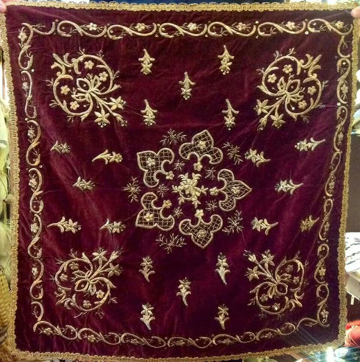 'Bohça' (wrapper). 'Goldwork' embroidery on velvet; technique: 'sarma' / 'Maraş işi'. Late-Ottoman, ca. 1900.