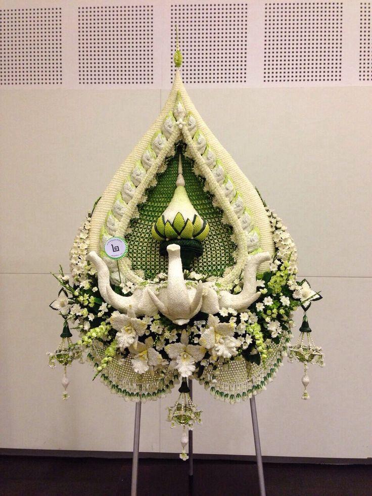 Thai wreath