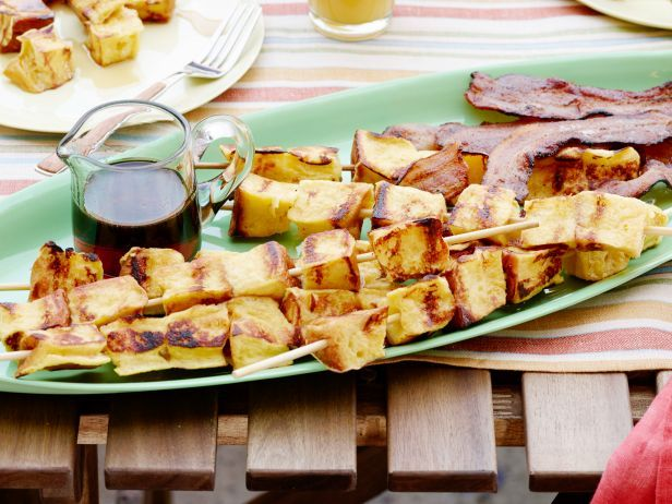 Recipe of the Day: Grilled French Toast Kebabs  Put your grill to use to make these inspired breakfast kebabs, strung with cinnamon-flavored bread and served with smoky bacon. #RecipeOfTheDayFood Network, Toast Kebabs, Recipe, Cheat Day, French Toast, Grilled Breakfast, Toast Kabobs, Breakfast Kebabs, Grilled French