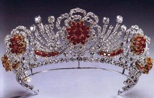 THE BURMESE RUBY TIARAQueen Elizabeth, Ruby Tiaras, Crowns Jewels, Red Rose, Elizabeth Ii, British Royal, Queens Elizabeth, Burmese Ruby, Royal Jewels