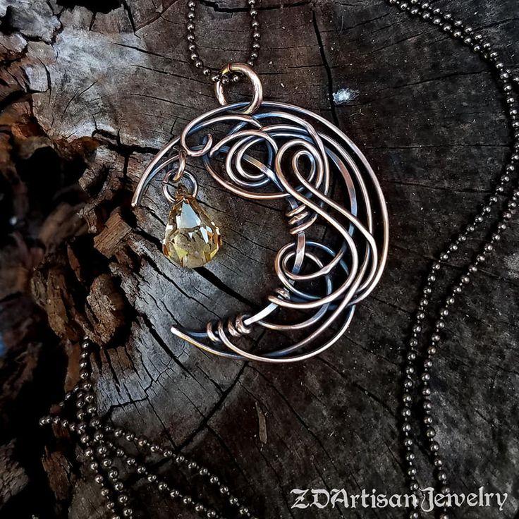 Unique celtic crescent Moon lightweight pendant necklace with image 0  – Drahtbasteln