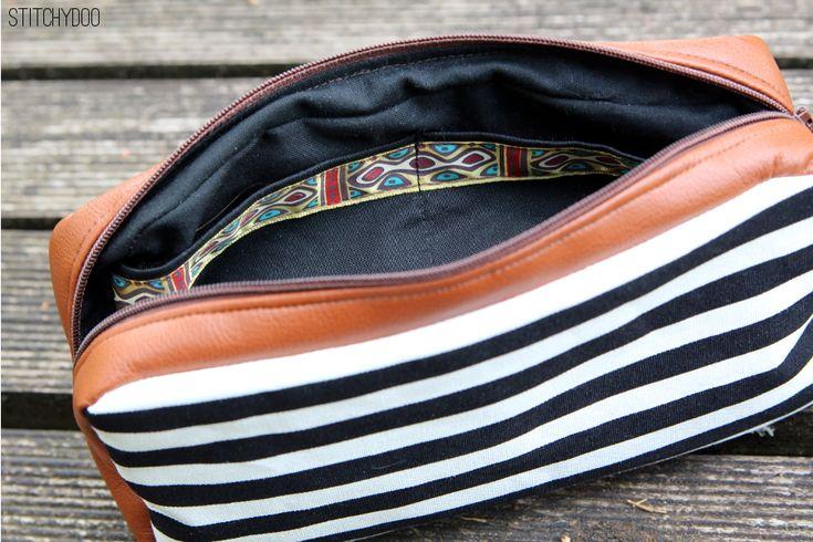 Taschenspieler 2 Sew Along   Miniorganizer by stitchydoo // genähte Tasche // Kramtasche // Kosmetiktasche // Schminktasche // schwarz weiß // sewn bag // black and white // farbenmix pattern