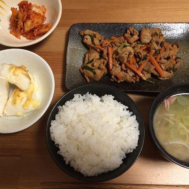 3月11日 豚肉味噌炒め はんぺんのマヨチーズ焼き キムチ ご飯 ワンタン中華スープ  #お家ご飯 #常備菜 #肉