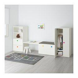 """IKEA - STUVA / FÖLJA, Oppbevaringskombinasjon m benk, , Med de inkluderte, fargerike klistermerkene kan du raskt dekorere skuffer og skap på din egen, personlige måte.Du kan også skrive med kritt på klistremerket for å holde orden på hvor du har ting.Barnevennlig høyde på oppbevaringen gjør det enklere for barn å nå og holde orden på tingene.Dyp nok for kleshengere i """"voksenstørrelse"""".Står støtt også på ujevne gulv siden justerbare føtter er inkludert."""