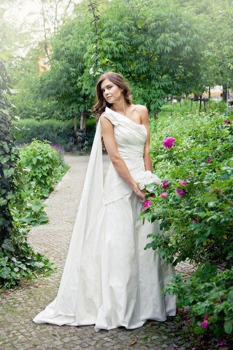 16 best Bride & the City images on Pinterest | Brautkleider ...