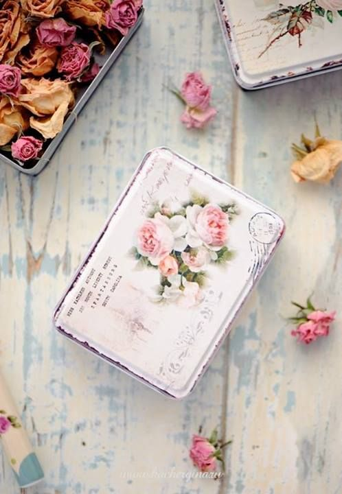 Ana Rosa-A great idea for all those sweet-heart roses I just dried out.