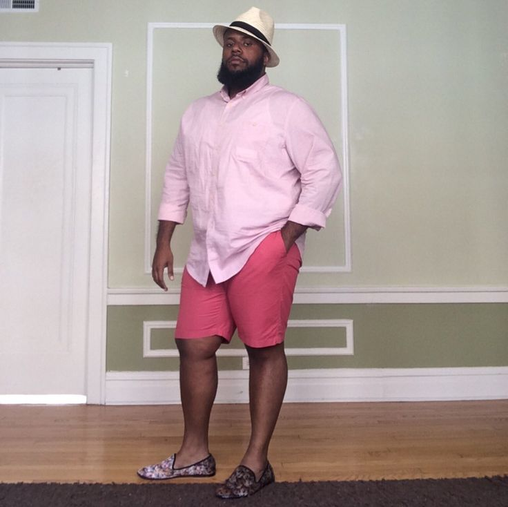 dr-yes is pretty in pink! Shirt by Target Shorts by Old Navy Hat by H&M Shoes by Mosson Bricke from Urban Outfitters Big boys can dress too! Lol