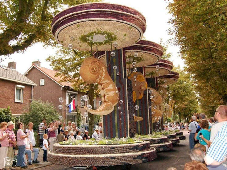 Fruitcorso, Tiel, The Netherlands.   Every second saturday in September!