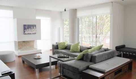 Colombia, Bogota, Cabrera. Apartamento amoblado. Lindo apartamento ubicado en el exclusivo sector de la cabrera.  http://www.colombiaexclusive.com/inmobiliaria/larenta.php?idrenta=440