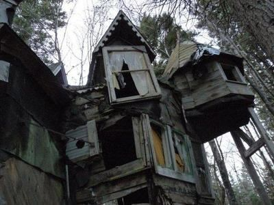 Whimsical abandoned house in Nova Scotia, Canada