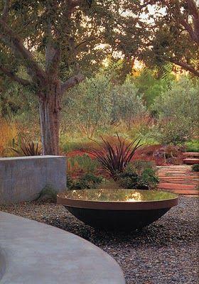 A stunning water feature in the most wonderful garden design by Bernard Trainor & Associates  www.bernardtrainor.com  paradisexpress.blogspot.com