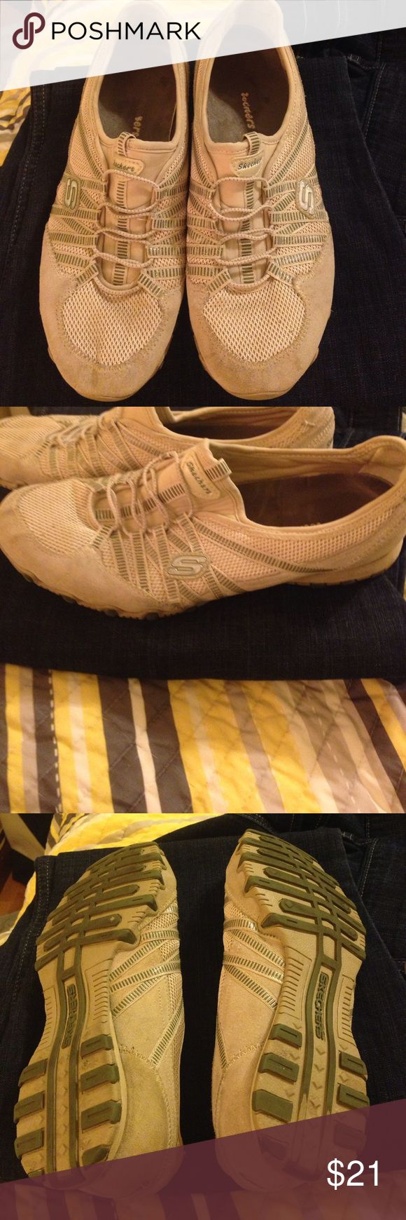 Skechers Shoes Great Condition Skecher Shoes. Minor dirt spots on the toes. Skechers Shoes Sneakers