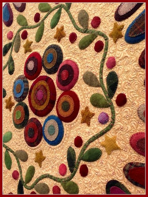 "Karen's Quilts, Crows and Cardinals: ""Penny Garland"", pattern by Kim Diehl... small table topper is wool on cotton background & backing, Hobbs 80/20 batting... great quilting!"