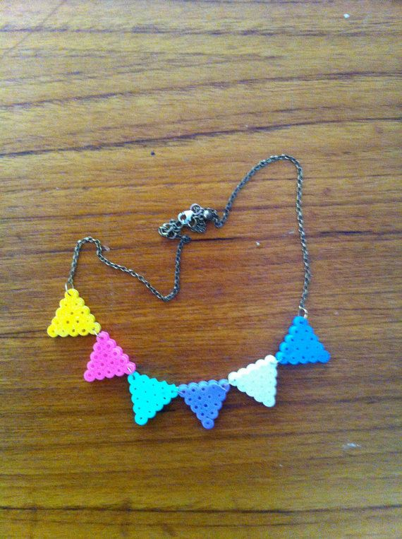 Bunting Necklace beads by Jannieel