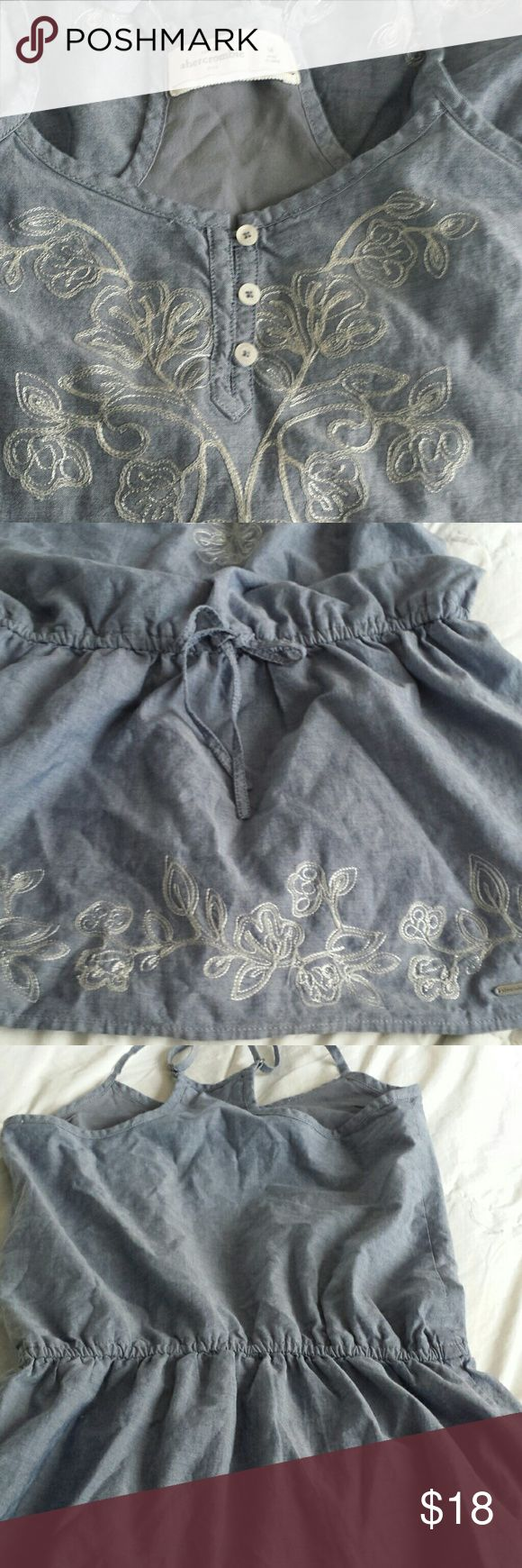 DENIM ABERCROMBIE GIRLS DRESS. ABERCROMBIE DRESS WITH ADJUSTABLE SHOULDER AND WAIST STRAPS. ABERCROMBIE  Dresses