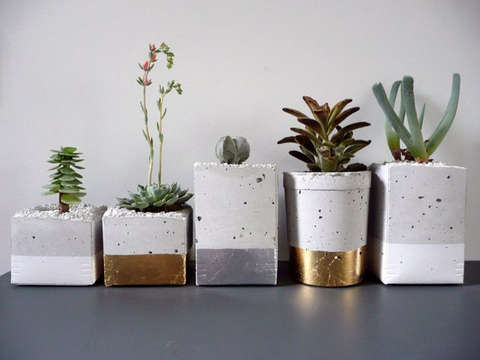 Concrete flower pots * Wolfcubchronicles // DIY