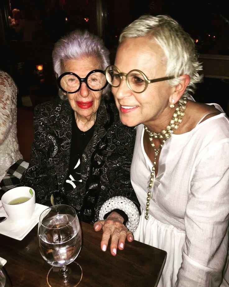 La nostra splendida amica Laura con Iris Apfel!..very cool