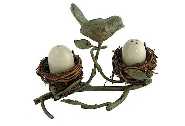 America Retold metal and vine nest with birds and eggs