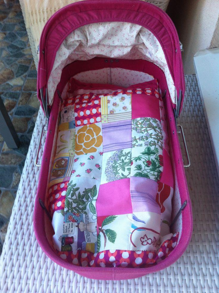 litet lapptäcke till liten dockvagn- så enkelt och så kul att göra!