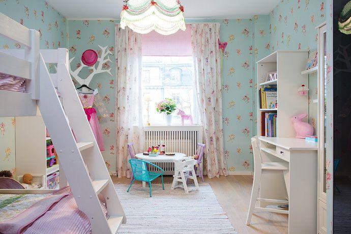 Bilder, Barnrum, Fönster, Turkost, Taklampa, rosa, våningssäng - Hemnet Inspiration
