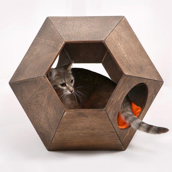 """""""Котосфера""""   Домик для кошки из дерева   Артикул: DLKKFN01  Производитель: Мы Бобры    5 500.00 р."""