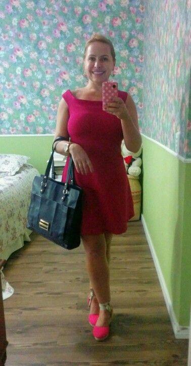 Look rosa pink vestido coca-cola clothes, espadrilles e bolsa Jorge Bischoff