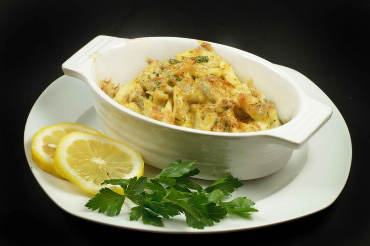 What better way to showcase this beautiful Maryland Blue Claw Jumbo Lump Crab meat, than with this Classic dish from days gone by, Crab Imperial!