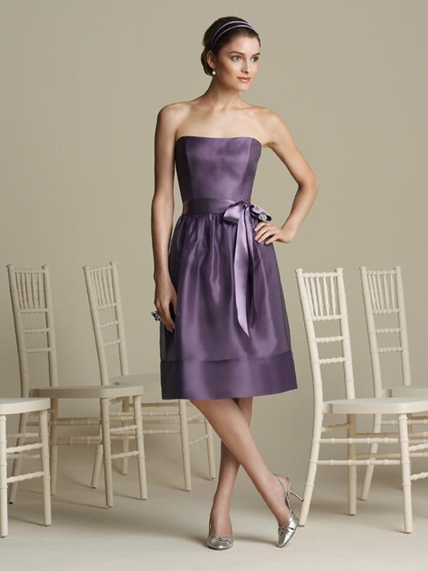 Krótka sukienka z kokardą. Suknie Noviamor. BB1024