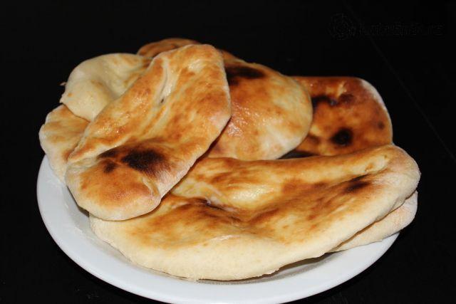 Naan - plochý chléb (Nán), podrobný recept