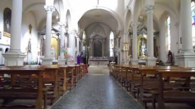 Visita alla chiesa con gli sposi - La chiesa è un edificio del 1600. La trovo carina e luminosa. Le nozze saranno di mattina quindi con il massimo della luce. Una bella atmosfera luminosa.