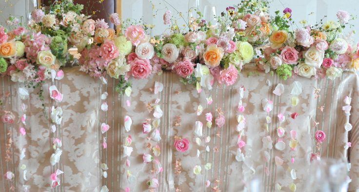幸せってこういうこと、という花 あるホテル様のレストランウエディング : 一会 ウエディングの花