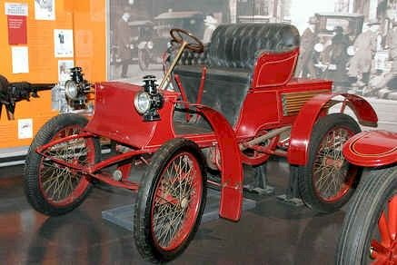 1901 St. Louis Runanout St Louis Motor Carriage Co. St Louis, MO  1898-1906